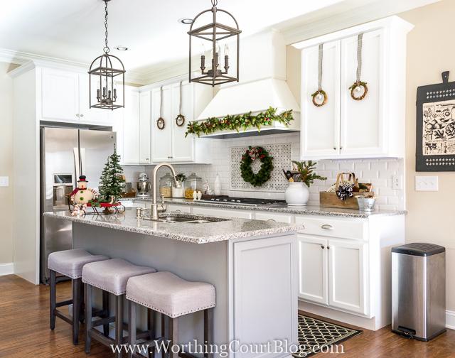 Farmhouse Christmas Kitchen