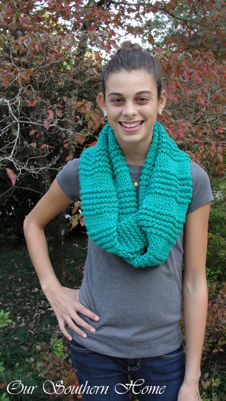 green-infinity-scarf