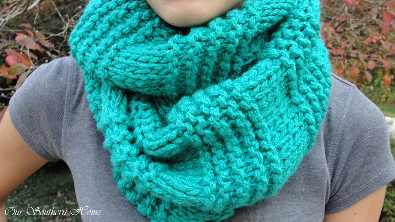 Knitting Patterns For Big Scarves : Quick & Easy Knitted Infinity Scarf - Our Southern Home